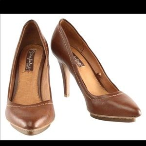 Trafaluc by Zara Brown Leather Textured Pumps